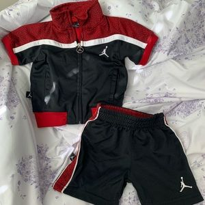 Nike air jordan short sleeve zip up tracksuit set